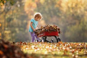 Raleigh preschool shares fall crafts